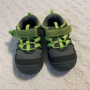 Oshkosh • rubber bump toe Velcro sneakers Sz 9